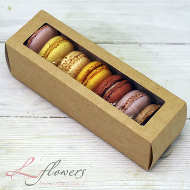 Add a gift to the bouqet - 7 Macaroons - букеты в СПб