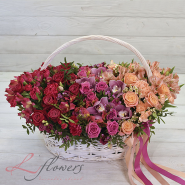 Flowers baskets - LARGE BASKET OF ROSES - PALMYRA - букеты в СПб