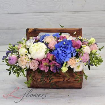 Цветы в ящиках - Wood box Альпы - букеты в СПб