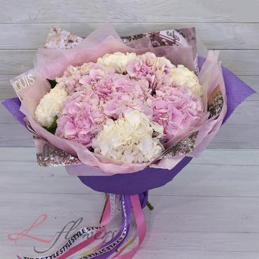 Букеты цветов - Букет Летиция - букеты в СПб