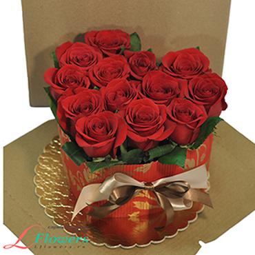 Торты из цветов - Торт Красное сердце - букеты в СПб