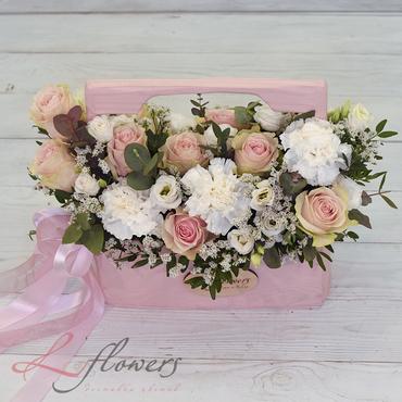 Wooden boxes with flowers - Wood box Antalya - букеты в СПб