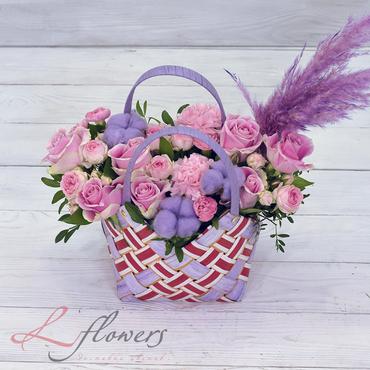 Сумочки с цветами - Сумочка Fendi - букеты в СПб