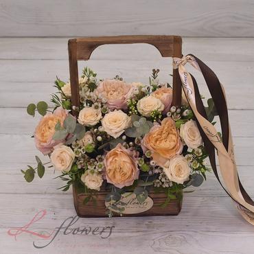 Цветы в ящиках - Wood box Карамель - букеты в СПб