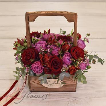 Цветы в ящиках - Woodbox Клубника - букеты в СПб