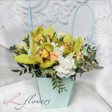 Сумочки с цветами - Бирюза - букеты в СПб