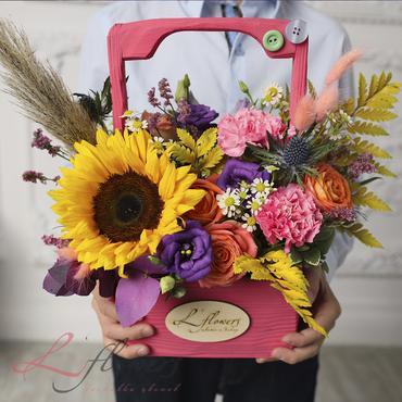 Цветы в ящиках - Woodbox Виктория - букеты в СПб